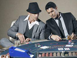abbigliamento poker
